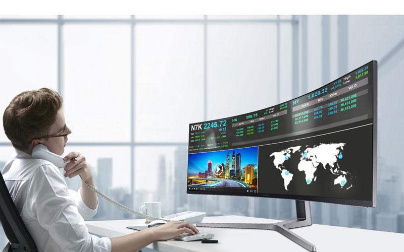 Work Hard – Play Hard: Gaming Monitor im Business-Setup