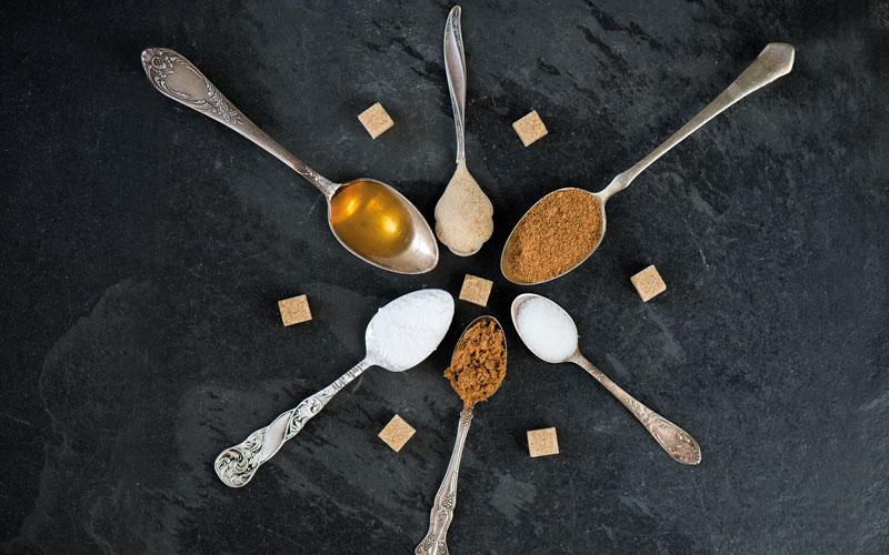 Süßen ohne Zucker – Honig, Stevia oder Kokuszucker?