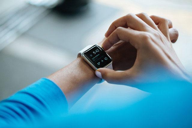 Armbanduhr oder Smartwatch? Welche Uhr passt zu mir?